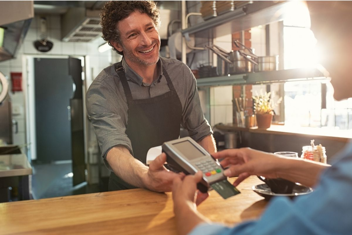 Delaware-Based Merchant accepting customers credit card payment on POS system